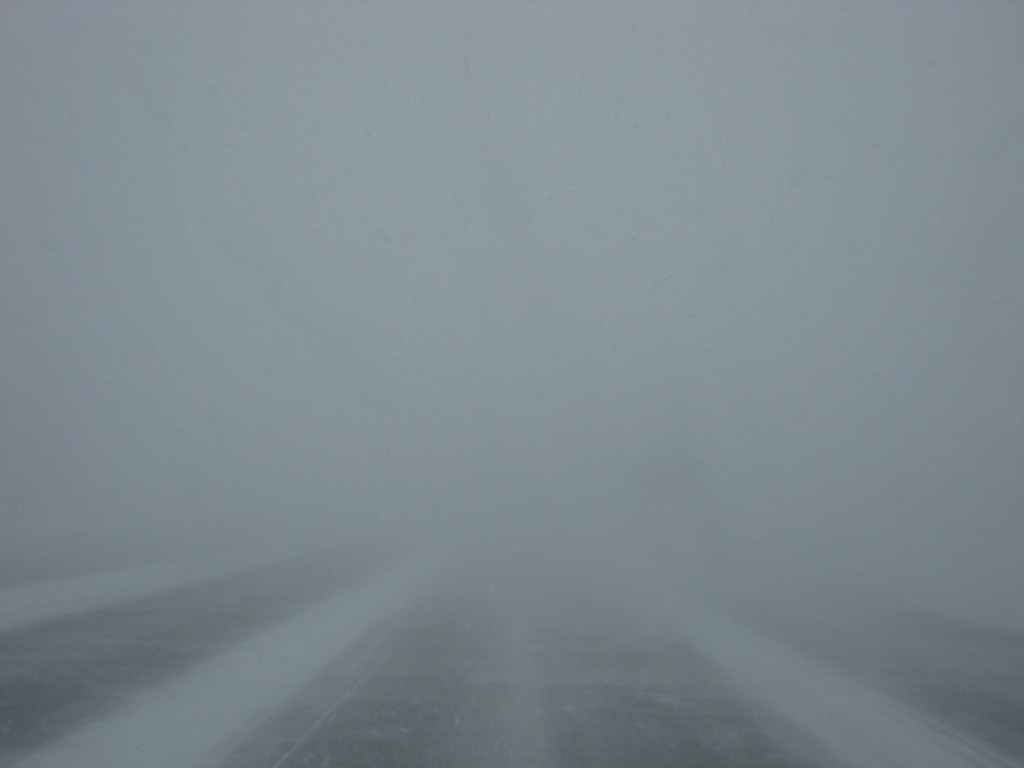 Whiteout_on_Ontario_Highway_404